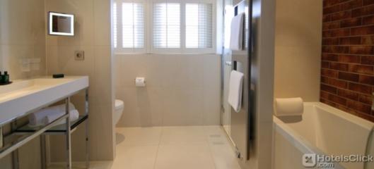 sofitel-legend-the-grand-amsterdam-bathroom.8